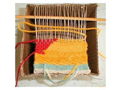 Box Loom Weaving - Clasped Weft